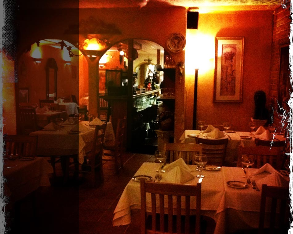 inside bella roma